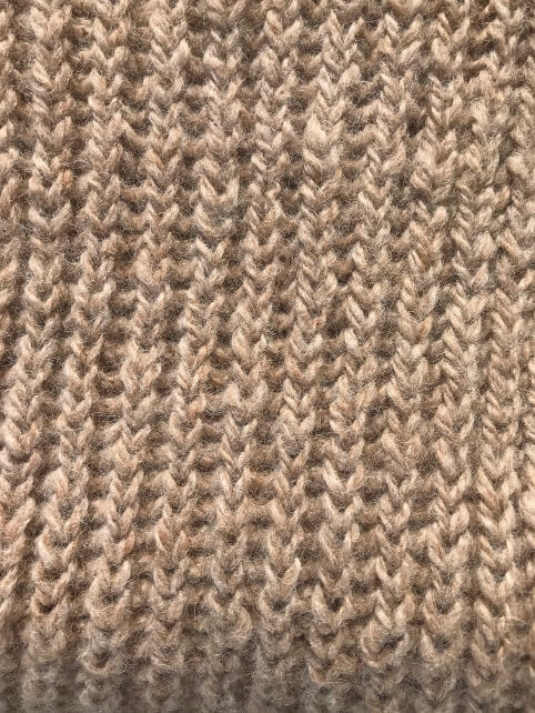 Medium fawn ribbed scarf detail